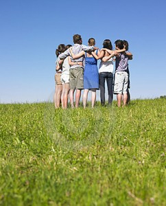 group-of-people-in-group-en-field-12053702